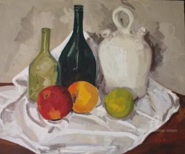 Bouteille, cruche blanche et pommes sur un torchon